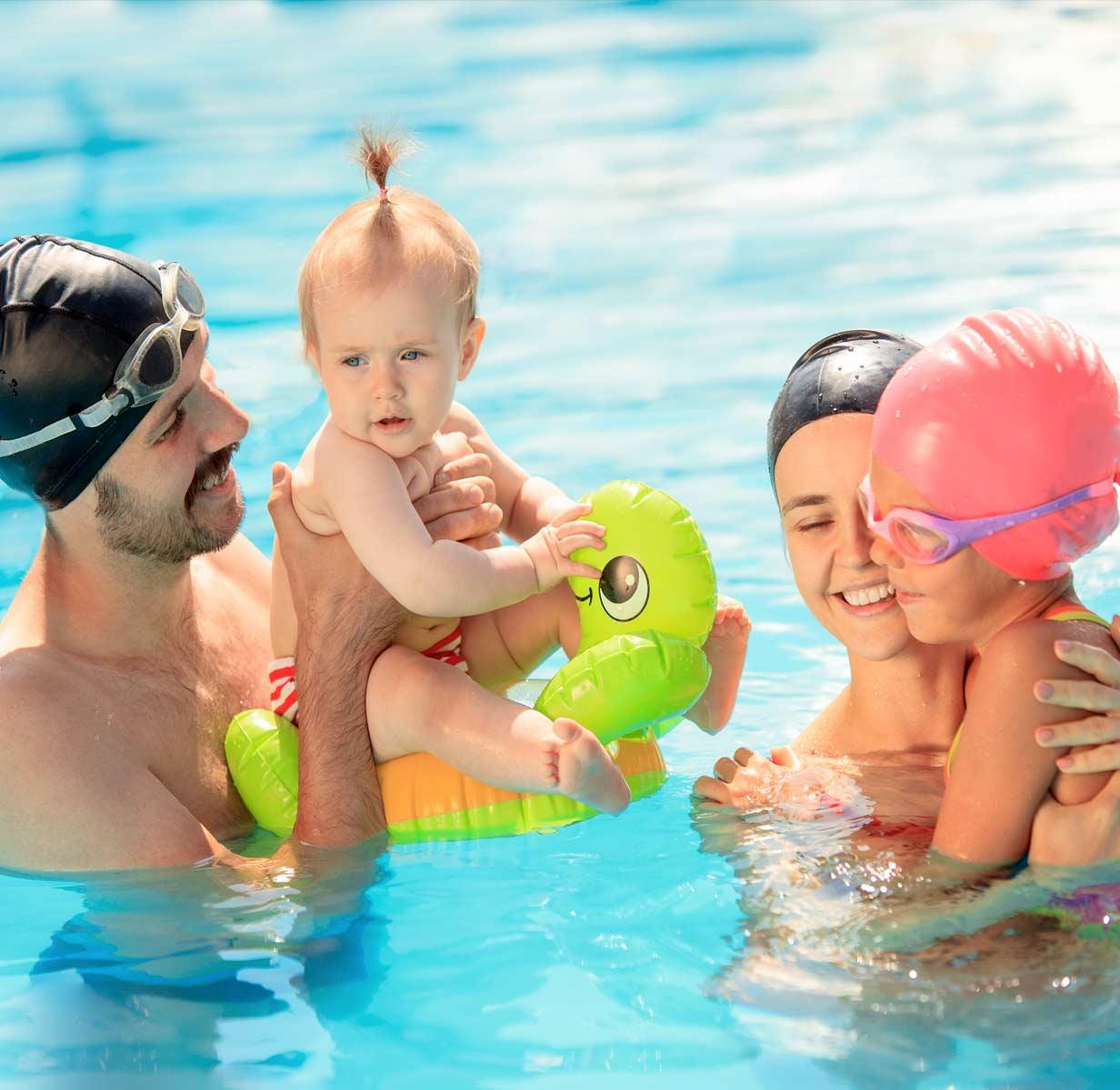 swimming pools in camping lake garda
